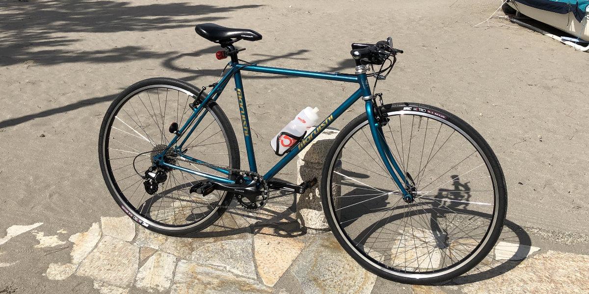 クロモリフレームのツーリング自転車